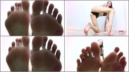 Footfetishbb – Empress Mika – Clean My Feet Before My Date