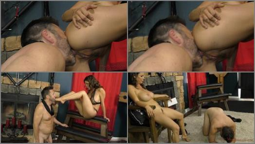 Face Sit –  Mean World – Mean Dungeon – Alexis Fawx