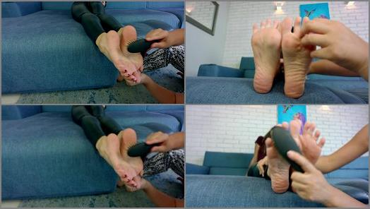 Ticklish girl – Polish Mistress – Lisa Tickle Feet Close Up