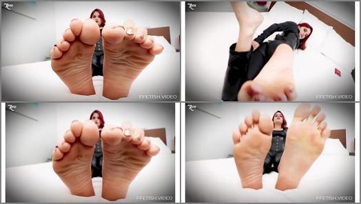 Wrinkled soles – Raquel Roper – Weak For Miss Roper's Sweaty Feet