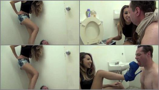 Spitting – ASIAN MEAN GIRLS – BATHROOM BEATDOWN –  Princess Jennifer