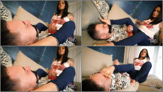 Foot slave training – Bratty Foot Girls – Jamie Valentine – You WANT Stinky Feet huh?