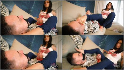 Latinas –  Bratty Foot Girls – Jamie Valentine – You WANT Stinky Feet huh