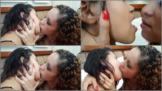 MF Video Brazil  Hot Kisses Dental By Emilly And Lara  preview