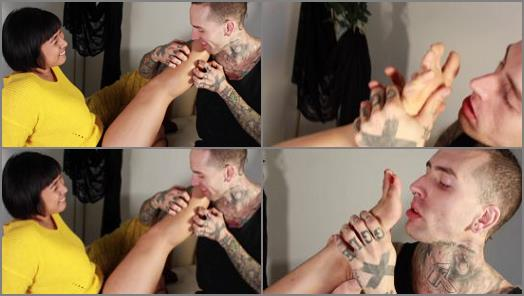 Asia – Mia Little Purple Socked Foot And Leg Lovin