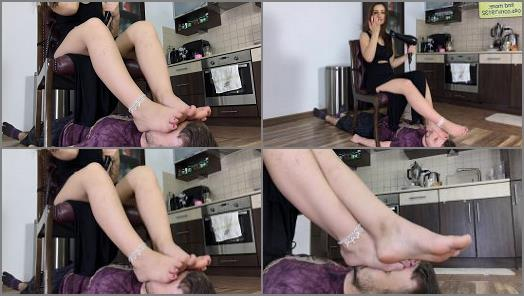 Polish Mistress clips  Tamara Dry Her Hair  preview