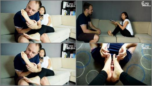 Toes sucking - Czech Soles - Foot worship during Vietnamese language lesson