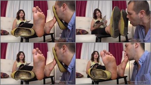 Foot Humiliation – UNDER GIRLS FEET – Extreme Stink! Huge Feet Size 12