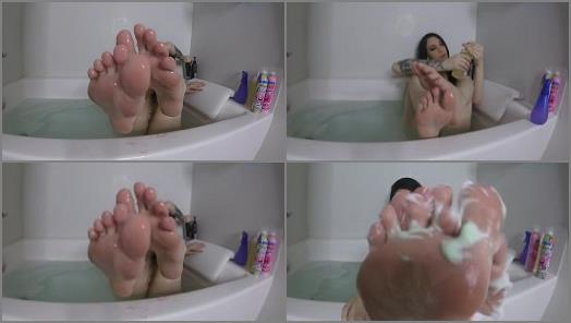Toes fetish – Noelle Easton – Wet Messy Feet
