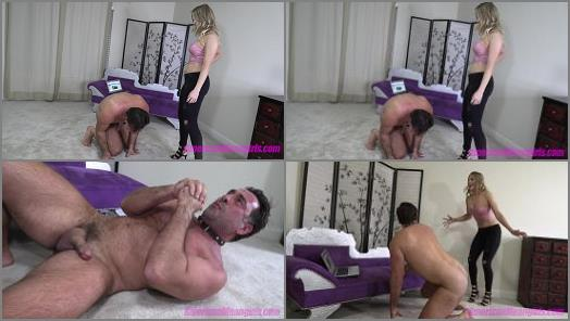 THE MEAN GIRLS CLUB  Busted Worshipping Lexi   Princess Amber  preview