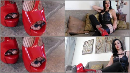 Young Goddess Kim  Cum Beneath Soles preview