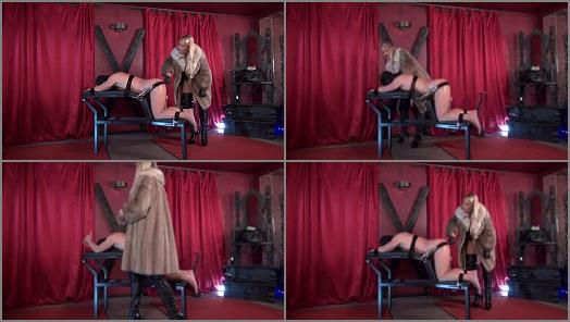 Bound and fucked by the glamour lady of CaleaToxic studio preview