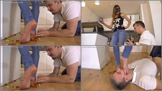 Foot Worship – Madame Marissa starring in video 'Roommate's boyfriend seduced with feet'