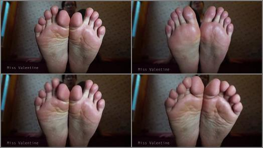 Toes fetish – Miss Valentine – You think of my feet, you pay