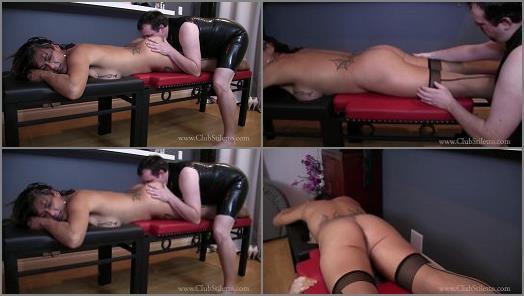 Transsexual Dominatrix – Club Stiletto Femdom – Massage Me, Lick My Ass and Suck My Cock –  TS Goddess Rianna