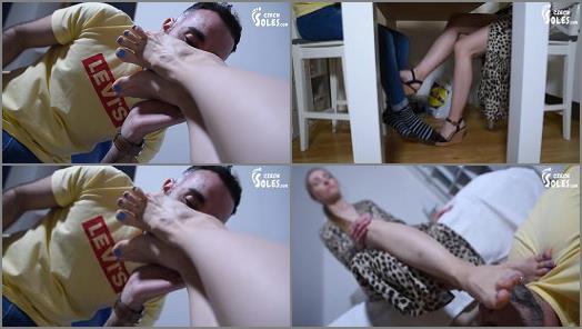 Bare Feet – Czech Soles – Anniversary foot worship surprise