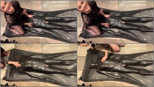 Femdom Stream – Goddess Gynarchy – Slave in Bag Breath control