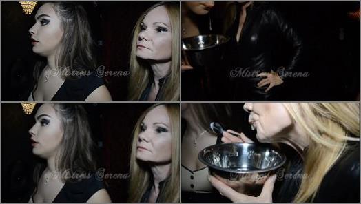 Online – Goddess Serena – Feeding the spittoon