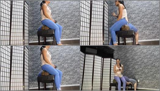 Female Domination – Sadurnus – Under Jenna's new blue jeans
